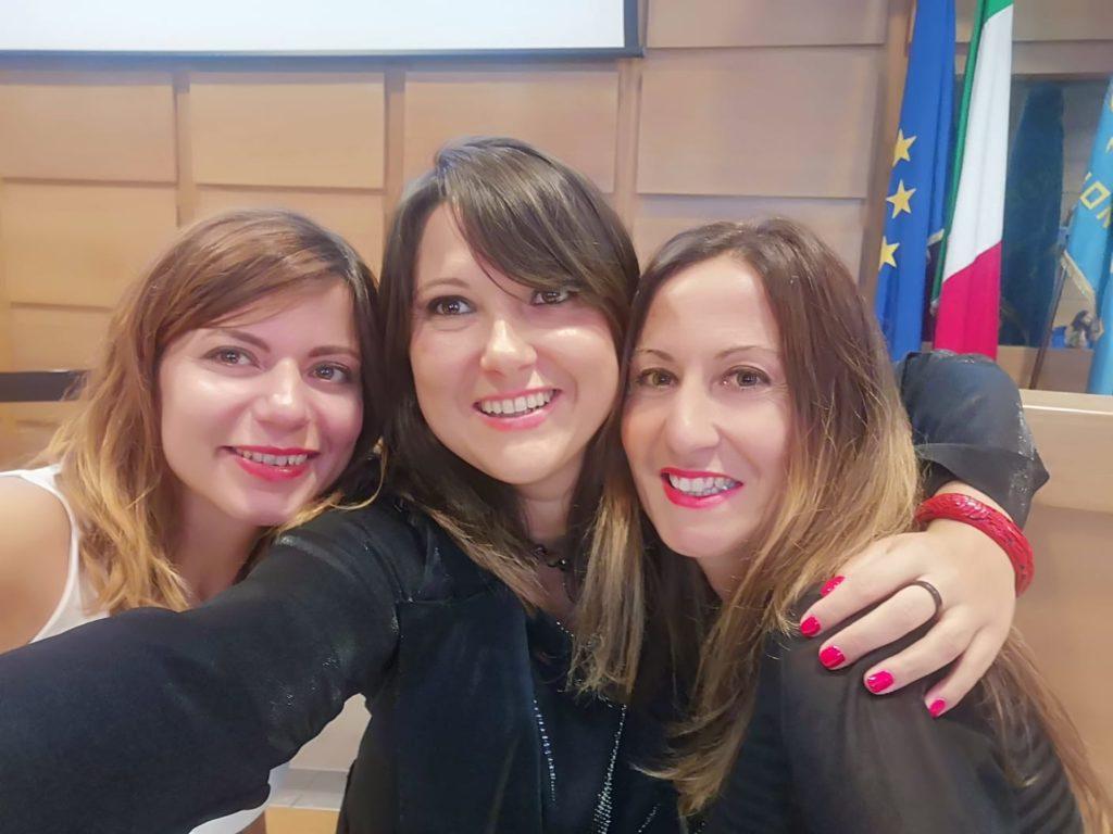 Romina con le sue grandi amiche ed ex colleghe del Grande Fratello Caterina Samero e Paola Medori, esperte di comunicazione